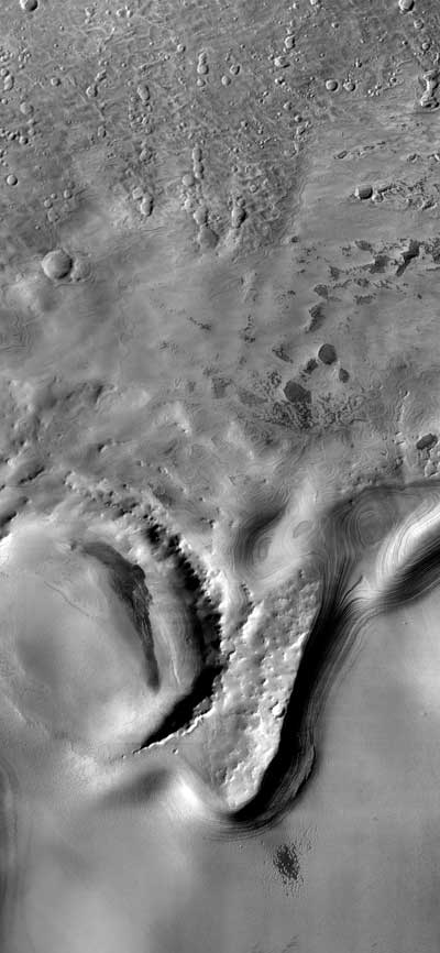 layered deposits in the south polar region
